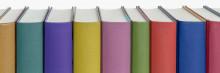 värikkäät kirjat rivissä