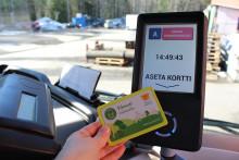 Maksaminen matkakortilla Linkin kortinlukulaitteella