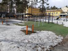 Pohjanlammen lähiliikuntapaikka koulupihan yleiskuva