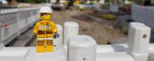 Lego ukko työmaalla