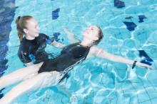 Aikuisten uimaopetuskuva