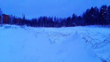 Vehkahalli alhaalla lumikuorman takia 220221